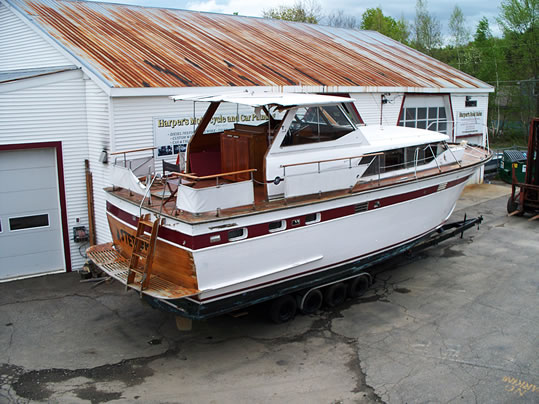 Trojin motor yacht ladyben classic wooden boats for sale for Vintage motor yachts for sale